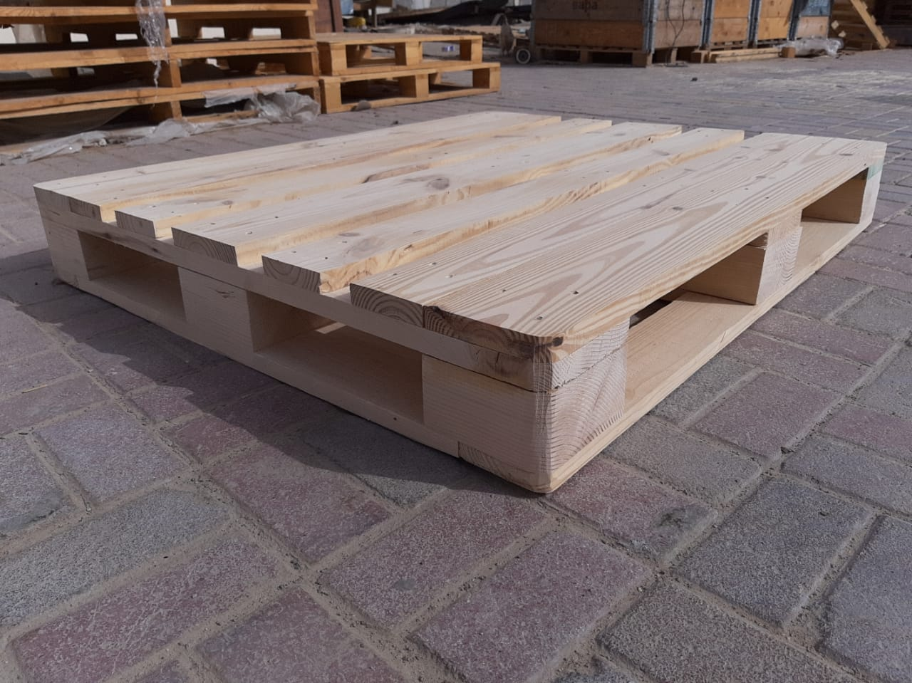 wooden pallets in uae