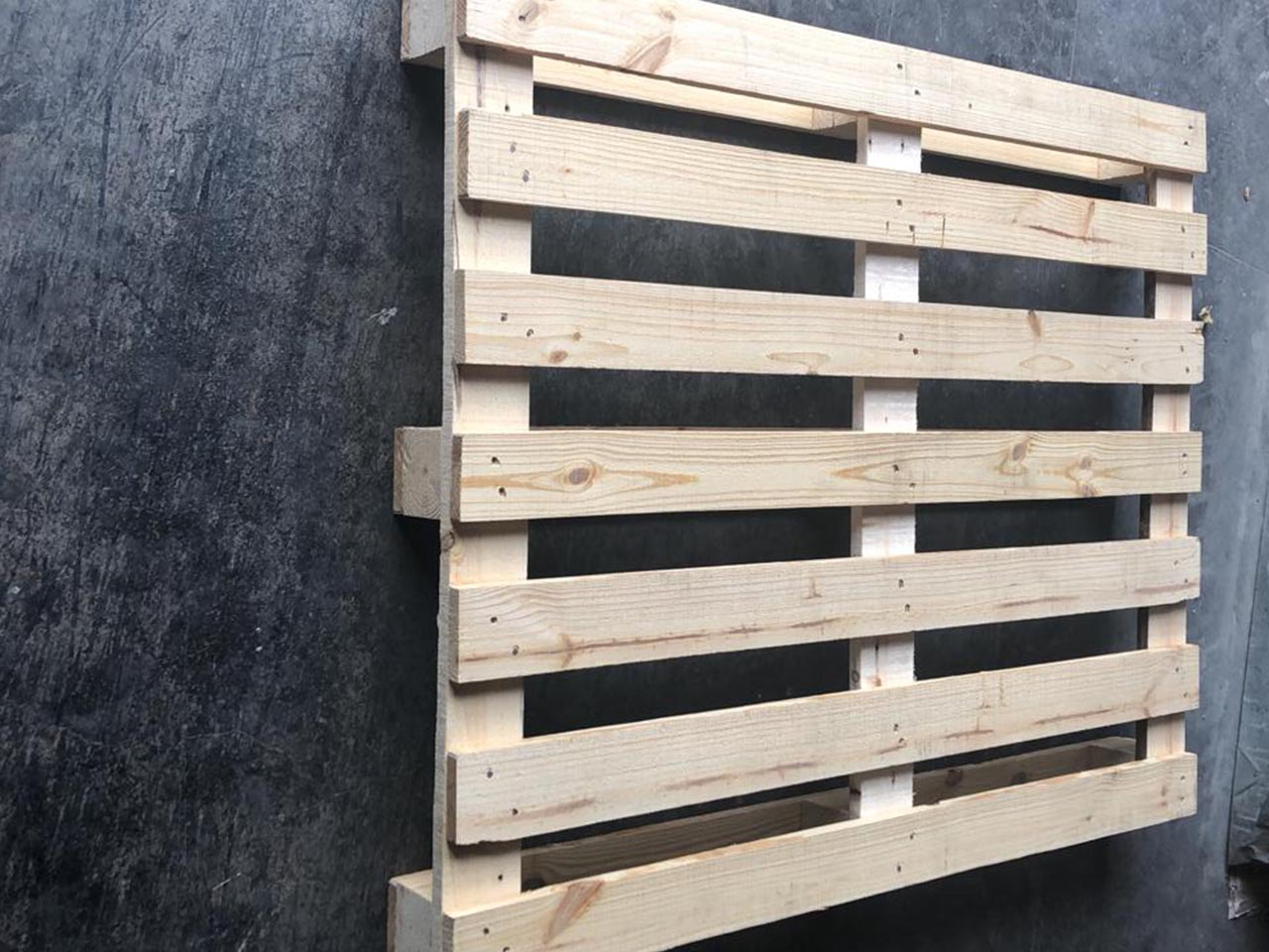 pallet manufacturers in uae