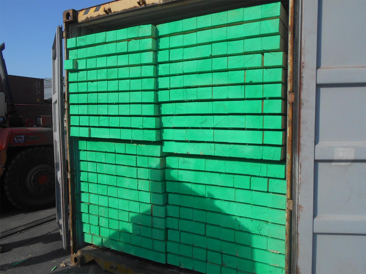 Wooden & Plastic Pallets Manufacturers in UAE | Cartons ...