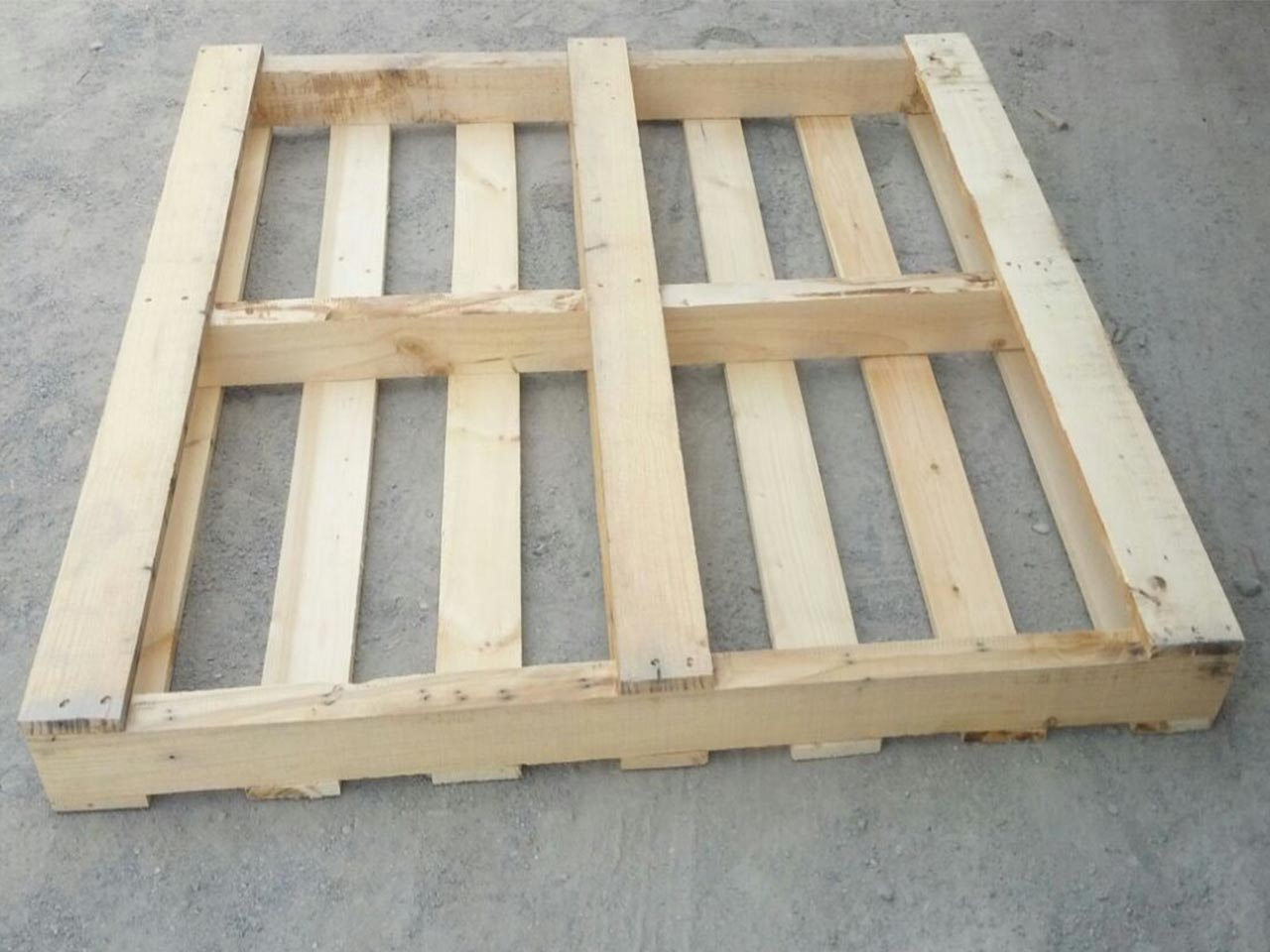 a single wooden pallet image