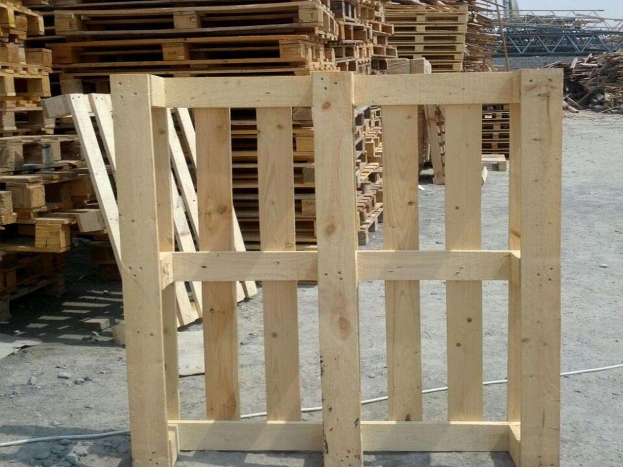 wooden pallet straight view