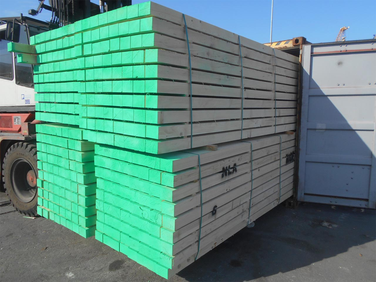 plastic pallets in uae for distribution